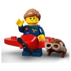 21009 - 71029 Dziewczyna w stroju pilota
